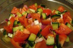 Рецепты летних салатов с фото помогут разнообразить меню