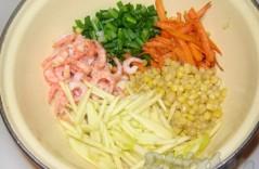 Салат с креветками и кукурузой – вариантам нет числа