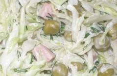 Вкусные салаты с колбасой
