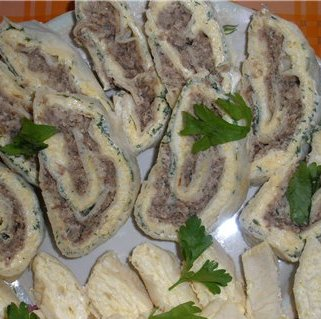 Вкусный рулет из лаваша с сайрой