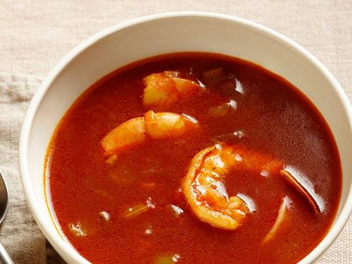 Готовим суп томатный с морепродуктами