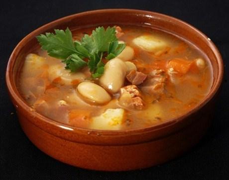 Фасолевый суп – полная чаша вкуса и пользы