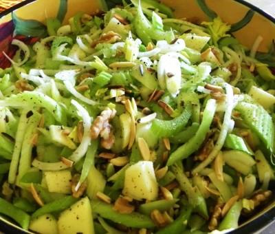 Рецепт блинного салата с сельдереем