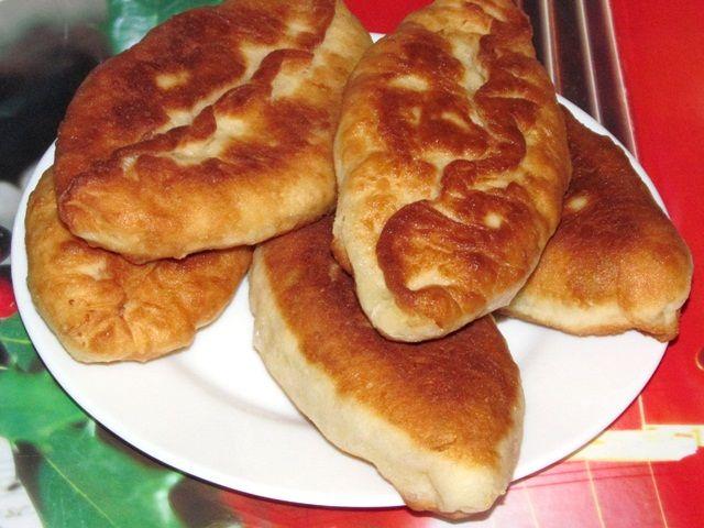 Пирожки жареные с яйцом и луком — два способа приготовления