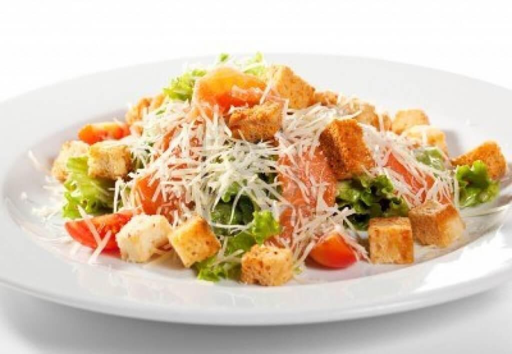 Цезарь с курицей: фото и варианты рецептов
