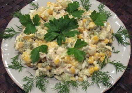 1341438927_salat-s-kuricey-i-kukuruzoi-recept