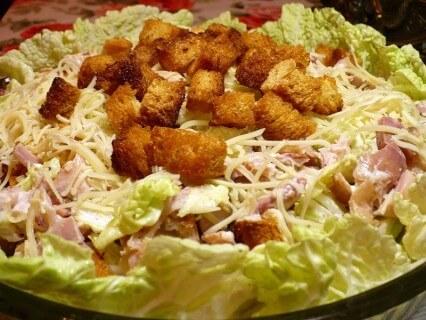 Куриный салат со сметаной