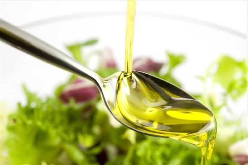 Салаты, заправленные маслом: вкусно, полезно и универсально