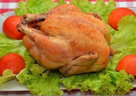 сколько запекать курицу в рукаве в духовке
