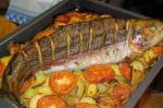 Как приготовить радужную форель в духовке быстро: рекомендации и полезные советы