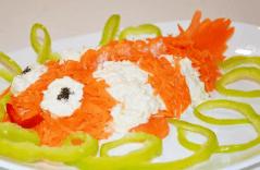 Салат в форме рыбки