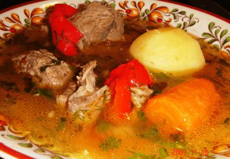 Мясо и овощи режутся крупно