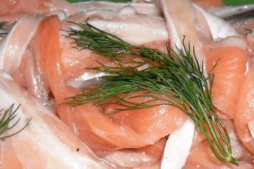 Брюшки лосося слабосоленые