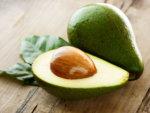 Как приготовить салат с авокадо правильно