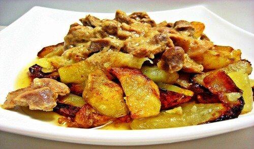 Рецепт свинины с картошкой и сыром