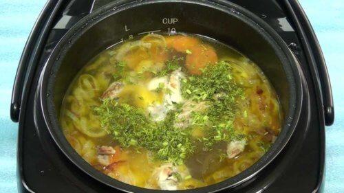Картофельный суп с курицей в мультиварке