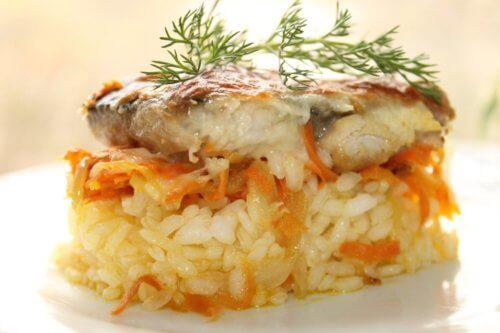 Скумбрия с рисом
