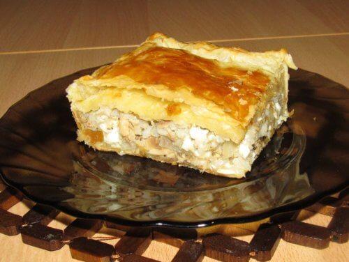 Слоеный пирог с рыбой в мультиварке